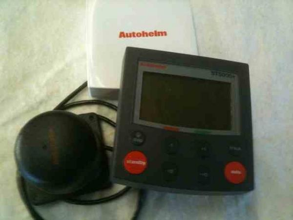 Raymarine ST5000 autopilot with flexgate compass