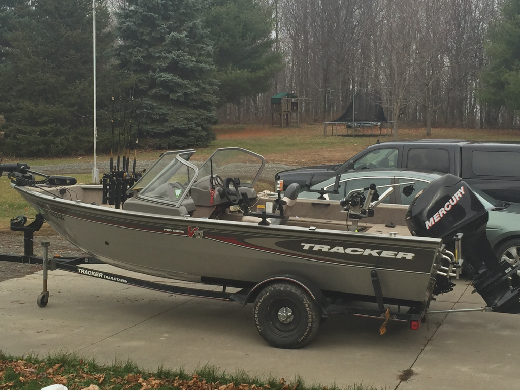 2012 Tracker Pro Guide V-175 WT - Cracked Hull - This Old ...