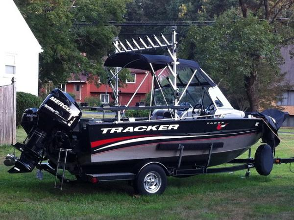 2012 Tracker Pro Guide V-175 WT - Cracked Hull - This Old Boat