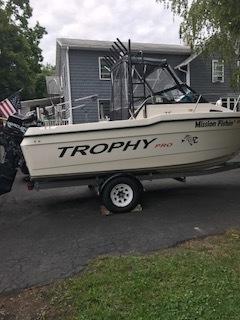 1998 Trophy Boat (1).JPG