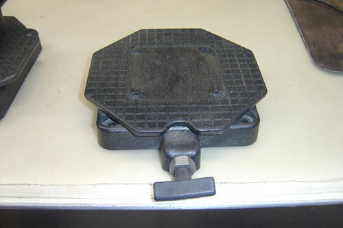 1 Pair Cannon swivel bases and Mounts and 1 turntable 004.JPG