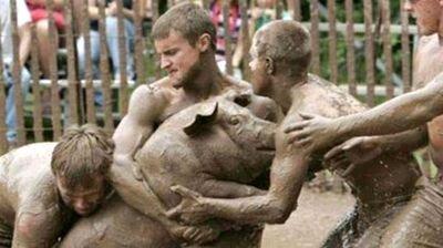 Pig_wrestling.jpg