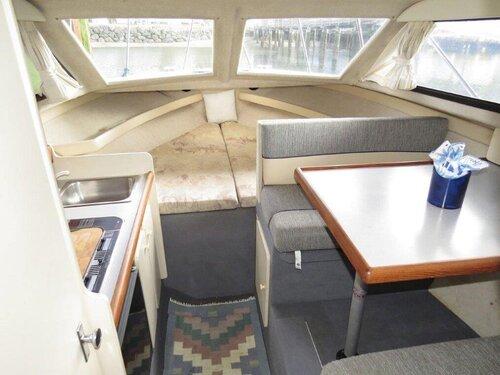 boat cabin 2.jpg