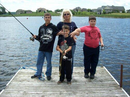 fish kids 001.JPG
