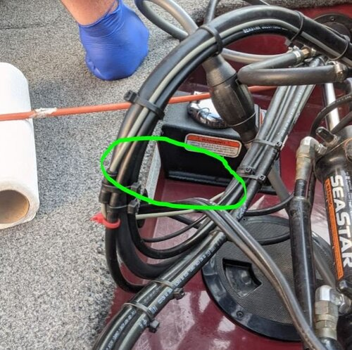 Water-Leak-Fuel-Cap-Mount-Zoomed-Out.JPG